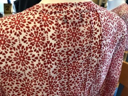 きっと重宝する綿絹ブラウス(MARELLAマレーラ)イタリア