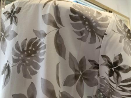 夏らしい柄の半袖Tシャツ(MARELLA)