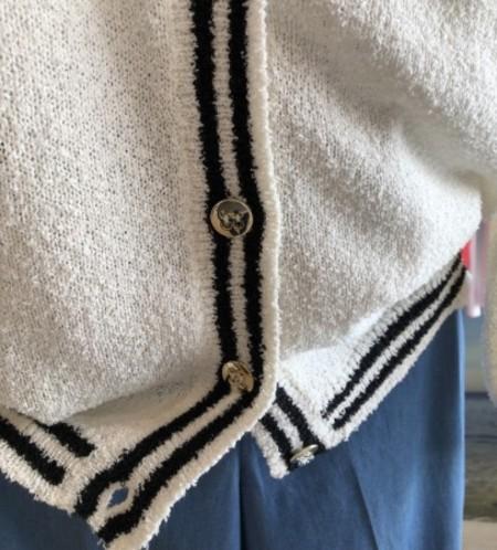 脱いだり羽織ったりが便利なカーディガン♪(IBLUES)