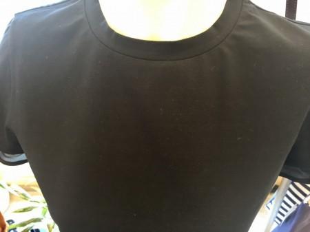 お洒落なシンプルTシャツ(MRELLAマレーラ)