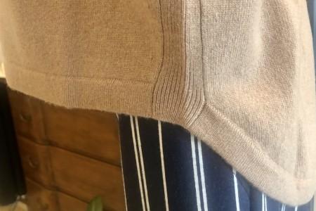 羊毛素材のお洒落パーカー(MARELLA)